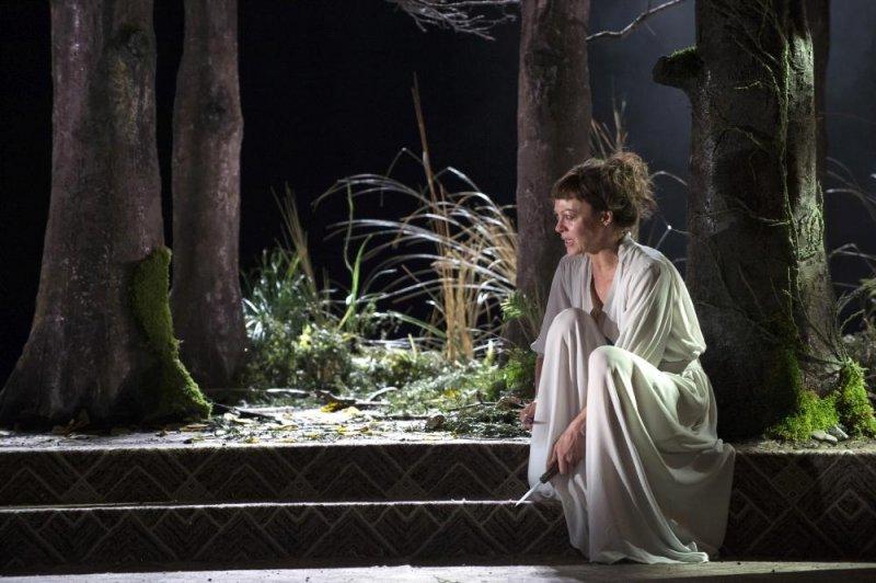 美狄亞 英國國家劇院現場劇照