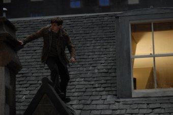 在屋頂上流浪劇照