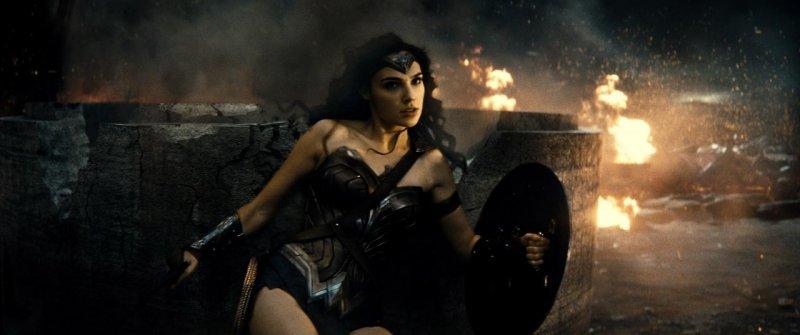蝙蝠俠對超人:正義曙光劇照